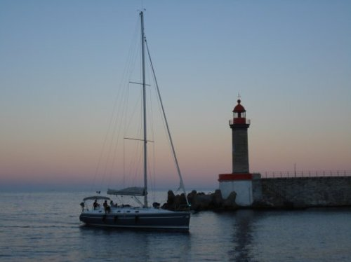 Sailboat arriving at Bastia