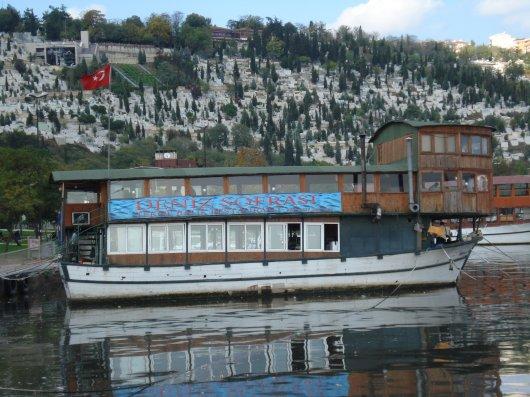Golden Horn restaurantboat