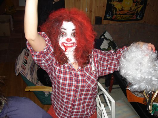 The clown gets thewig