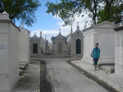 Alto de São Joãocemetery