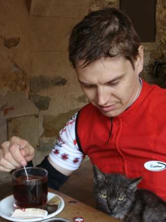 Tero and a cat in Monells