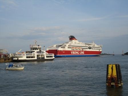 Rush hour in Helsinki harbour