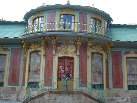 Me outside Kina Palace