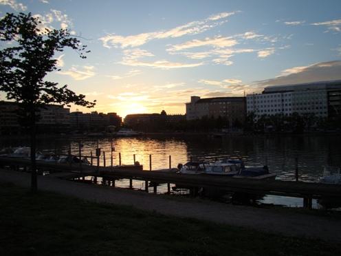 Sunset seen from Kruunuhaka towards Hakaniemi