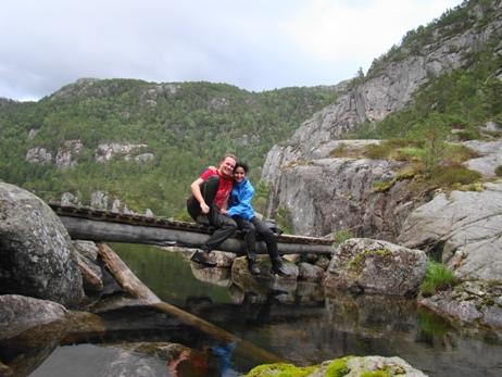 Bridge halfway around Refsvatn
