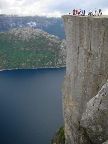 Preikestolen (Pulpit rock) 600 m over the Lysefjord