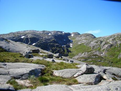 Ascending Kjerag