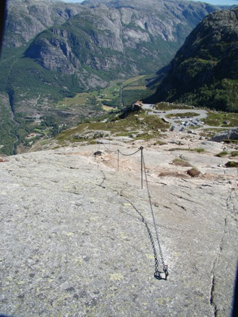 Chains help in the steepest parts of Kjerag