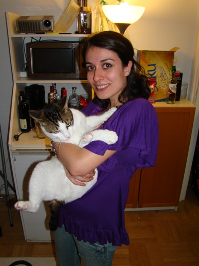 Funda with a cat not willing to pose